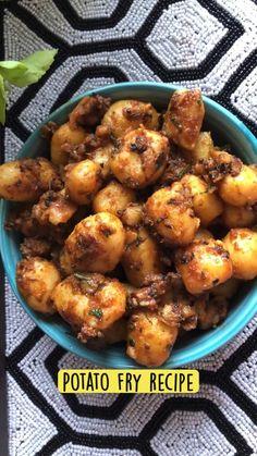 Puri Recipes, Veg Recipes, Spicy Recipes, Indian Food Recipes, Cooking Recipes, Vegetarian Fast Food, Chaat Recipe, Chutney Recipes, Potato Fry