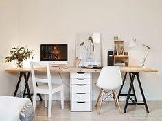 Inspiración en mesas de trabajo, estilos para todos los gustos. Desde ambientes en blanco muy relajados, hasta otros más intensos con el dorado como protagonista.
