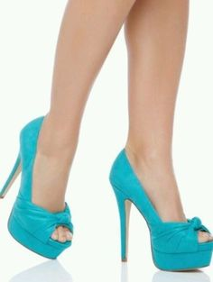 Shoe dazzle Aaliyah Turquoise Pumps 8.5 Women. Great for Christmas!