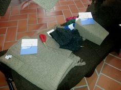 Ripresa dall'altro dei prodotti Refrain per la linea Home realizzata con lana Sopravvissana lasciata nel suo colore naturale! Troverete tappeti, coperte, cuscini per divani e cuscini per sedie!