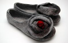 Felted slippers with red berries Women home shoes от JurgaFeltLife