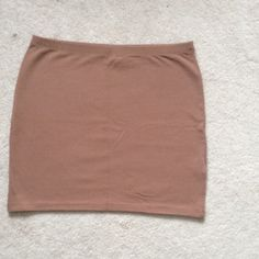 H&M Divided Coffee Brown Mini Skirt In perfect condition and never worn! Please feel free to comment with questions! H&M Skirts Mini
