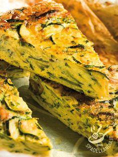 La Frittata con zucchine e cipollotti è un piatto semplice e veloce da preparare, una ricetta equilibrata ma anche sempre molto gustosa.