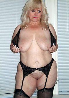 Free nude pics upskirt leah remini