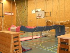 LangeMatOpTouwen Kids Gym, Kids Sports, Camping Games, Team Building, Physical Education, Inspiration, Stage, Activities, Sports Games