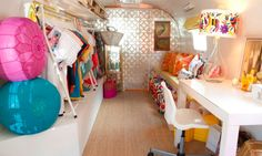 Curb Service -  Mobile boutiques are the newest thing to hit the streets