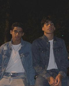 the outsiders x the boys. Cute Lightskinned Boys, Cute Black Boys, Cute Teenage Boys, Hot Boys, Cute Guys, Pretty Boys, Teenager Outfits, Teenager Boys, Collage Des Photos