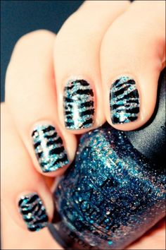 Zebra stripes nails - This fashion