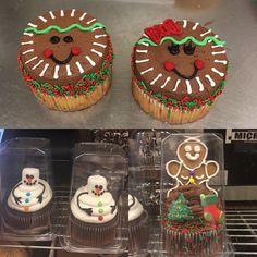 Christmas Snacks, Christmas Cupcakes, Christmas Goodies, Christmas Cake Decorations, Holiday Cakes, Cake Decorating Tips, Cookie Decorating, Holiday Baking, Christmas Baking