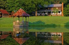 Spring House Farm rental cabins and cottages near Asheville, Chimney Rock and Lake Lure North Carolina