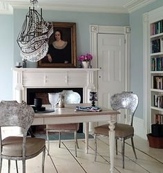 those chairs!  that chandelier!