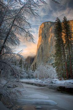 Yosemite National Park, California, USA (El Capitan and the Merced River)