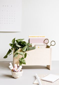 How to Create a Modern DIY Desk Organizer for Back to School and Beyond - DIY Projects Diy Craft Projects, Fun Crafts, Diy And Crafts, Crafts For Kids, Diy Rack, Desk Organization Diy, Apps, Weekend Projects, Organizer