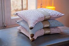 Organic cotton baby pillow free shipping di brouksisters su Etsy