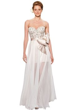 My dream dress by Pnina Tornai. Perfect for the beach wedding! ah!
