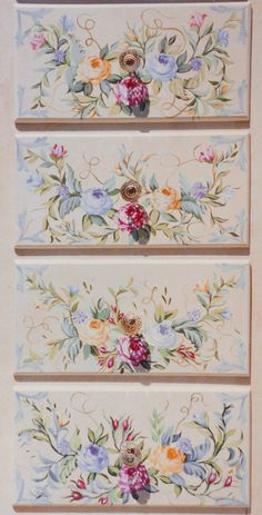 Armoire ribbons and roses detail