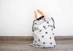 "Bolsa de almacenaje ""U"" bandide.com #kidsroom #design #storagebag #deco #kidsdeco"