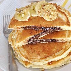 Hellish pancakes stuffed with praline Nutella Pancakes, Yogurt Pancakes, Crepes And Waffles, Sweet Breakfast, Breakfast Time, Breakfast Ideas, Recipe Tin, Homemade Pancakes, Dessert Recipes
