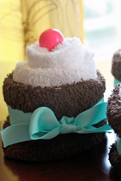 wash cloth cupcakes for Spa Party