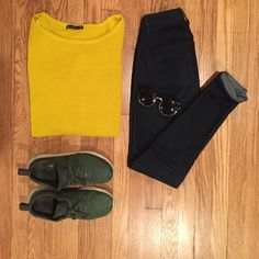 Zara knit oversized mustard sweater Zara knit oversized mustard sweater, wide neck so can be worn off he shoulder, loose fitting sleeves give a relaxed, over sized feel. Pairs well with dark denim and a leather jacket Zara Sweaters Crew & Scoop Necks