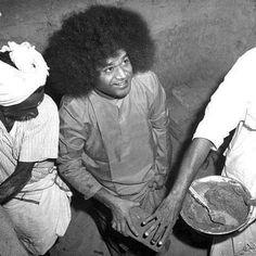 Sathya Sai Baba, Sai Ram, Rare Photos, My Father, Lord, India, Cosmic, Wealth, People