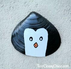 Kid's Crafts: Painted Penguin Seashells Black Acrylic Paint, Acrylic Spray, Clear Acrylic, Craft Projects For Kids, Arts And Crafts Projects, Old Sheets, Painted Shells, Black Sharpie, Old Newspaper