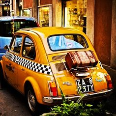 Taxi cinquecento! Vespa, Fiat Cinquecento, Yellow Car, Pedal Cars, Cute Cars, Car In The World, Small Cars, Vw Bus, Chevrolet Corvette