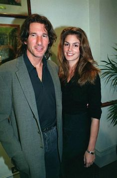 Resultado de imagem para richard gere and cindy crawford pictures Richard Gere Young, Richard Gere Movies, People Magazine, Beautiful Person, Beautiful Couple, Cindy Crawford Young, Famous Couples, Dio, Ex Husbands