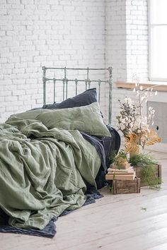 Luxury Flax Linen Collection SEAMLESS DUVET COVER handmade from pure soft washed linen 100 % Pure SuperSoft Flax certified OEKO-Tex® This Duvet Cover ideal for LUX Bedding and perfect for a good sleep: anti-allergic, resistant to fungi, cools in summer and warms in winter. In cool weather