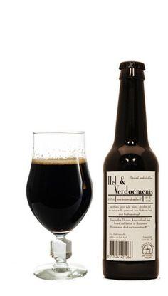 DE MOLEN - HEL & VERDOEMENIS Hel & Verdoemenis is het best beoordeelde biertje van brouwerij de Molen. Daarnaast behoort deze imperial stout tot de beste bieren van Nederland. Een speciaalbier dat elke liefhebber geproefd moet hebben. https://bierrijk.nl/de-molen-hel-verdoemenis-bier
