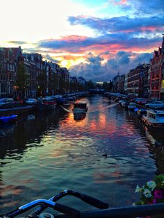 The beautiful canals of #Amsterdam, Netherlands paulathroughthelookingglass.com || Pinterest || @ShanBrockhurst