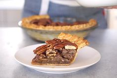This Bourbon Spiked Pecan Pie is the Only Dessert You Need to Make ...