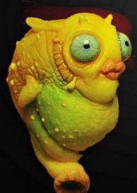 """Babelfish: questo ingegnoso apparecchietto è in realtà un fantastico TRADUTTORE UNIVERSALE biologico che, inserito nel canale uditivo, permette di comprendere subito ogni cosa detta in una qualsiasi lingua dell'Universo (in """"Guida galattica per gli autostoppisti"""", di Douglas Adams)."""