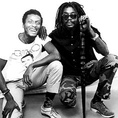 Jimmy Cliff and Peter Tosh, backstage at Youth Couciousness Festival, Jamaica, 1982 Rasta Music, Reggae Music, Black Music Artists, Rastafarian Culture, Famous Legends, Dennis Brown, Marley Family, Rasta Man, Peter Tosh