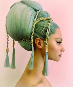 Guido palau for dolce gabbanna alta moda. Hair Art, My Hair, Hair Inspo, Hair Inspiration, Fotografie Portraits, Avant Garde Hair, Poses, Cool Hairstyles, Fantasy Hairstyles