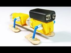 How To Make A Very Simple 4 Legged Walking Robot - Entwurf Make A Robot, Diy Robot, Lego Robot, Robots For Kids, Robotics Projects, Arduino Projects, Electronics Projects, Stem Projects, Science Fair Projects