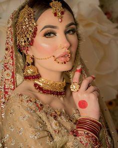 Bridal Makeup Images, Bridal Hair And Makeup, Bridal Beauty, Pakistani Bridal Makeup, Pakistani Wedding Outfits, Indian Bridal, Bridal Jewelry Sets, Bridal Jewellery, Fancy Jewellery