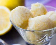 Sorbet léger au citron : http://www.fourchette-et-bikini.fr/recettes/recettes-minceur/sorbet-leger-au-citron.html