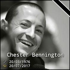 Um grande ícone do rock atual, líder do Linkin Park... cantor e compositor perdeu a batalha para algo que a maioria crítica e menospreza... a depressão. Chester Bennington descanse em paz... #mourninglinkinpark #ripchester #rocknroll #linkinpark