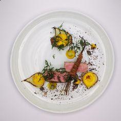 Selle d'Agneau de la Ferme de Clavisy, Carottes Bioriginales   Jean-Michel Carrette (Aux Terrasses). Archiving Food Photography   Gastronomy
