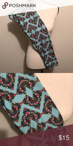 LulaRoe OS leggings Aqua blue background with chevron/ diamond design. Smoke free home. EUC LuLaRoe Pants Leggings