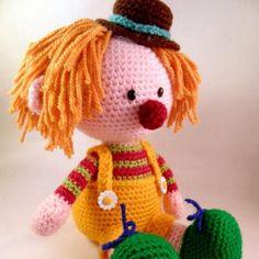 Casimier the Clown amigurumi crochet pattern by Pii_Chii