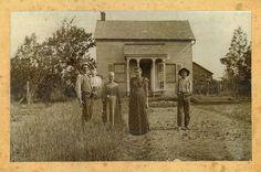 Old Kopp Farmhouse Abandoned Farm Houses, Old Abandoned Buildings, Old Farm Houses, Antique Photos, Vintage Pictures, Old Pictures, Old Photos, History Of Photography, Vintage Photography