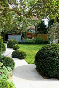 29 beautiful diy landscape projects you might consider for your yard Creative Landscape, Lawn And Landscape, Garden Landscape Design, Contemporary Landscape, Landscape Designs, Landscape Plans, Front Yard Garden Design, Small Front Yard Landscaping, Outdoor Landscaping