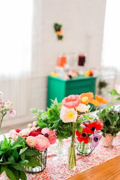 Spring floral tables