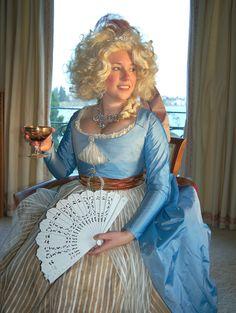 Mode Historique: Marie Antoinette's party dress, c. 1789