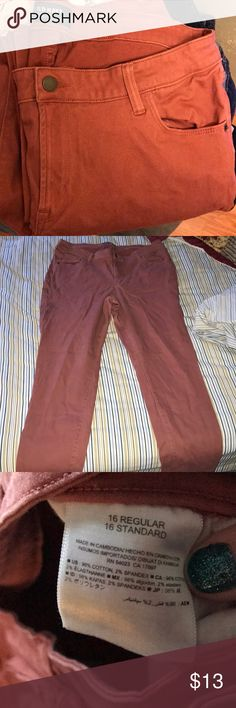 Old navy rose/burnt orange skinny jeans Rose colored skinny jeans, feel soft kind of like velvet, worn about 5 times Old Navy Jeans Skinny