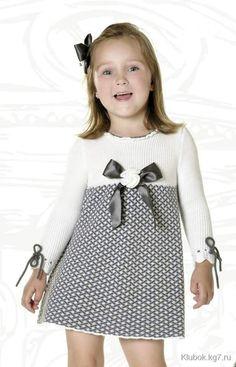è ëåò): ïëàòüå ñïèöàìè îò Carmen Taberner. Knitting For Kids, Baby Knitting Patterns, Girls Sweaters, Baby Sweaters, Little Girl Dresses, Girls Dresses, Summer Dresses, Kids Dress Clothes, Doll Dress Patterns