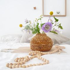 6 styling tips voor de naturel look in huis. Styling Tips, Baskets, Table Decorations, House Styles, Flowers, Blog, Furniture, Collection, Home Decor