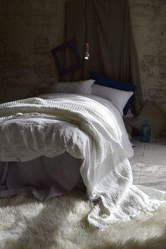 Pure white stonewashed linen quilt/duvet cover. Natural linen bedding. US King/ AU Super King size only.